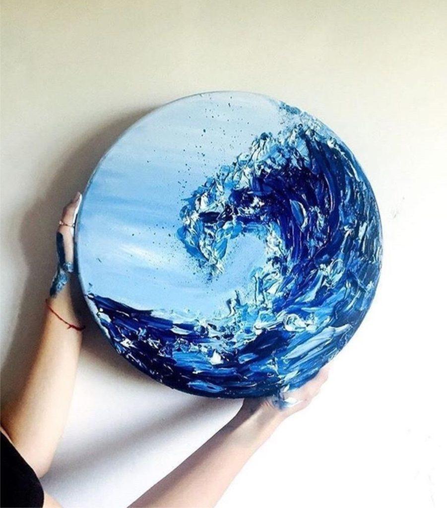 мастер класс «Живопись на круглом холсте — пишем волну»!